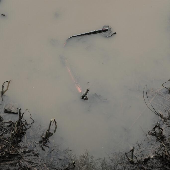Sähköpotkulauta joessa